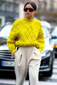 París PFW A/W 2014. Pantalón 'baggy' bicolor y jersey de ochos 'oversize'. ¡Una mezcla exquisita!