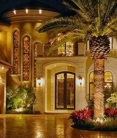 90 MindBlowing Mansions