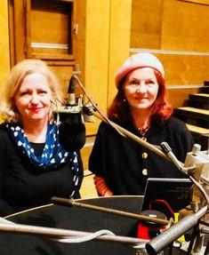 RTVS. S redaktorkou Janou Hevesiovou sa rozprávame o mojej knihe Bosí sme prišli na svet.