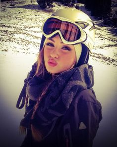 St. Moritz Oakley Sunglasses, Skiing, That Look, Snow, Chic, Makeup, Bikinis, Face, Fashion