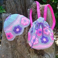 Crochet Flower Ravelry: Project Gallery for African Flower bag pattern by Gunilla Karlsson - Crochet African Flowers, Crochet Flower Patterns, Crochet Flowers, Crochet Girls, Knit Or Crochet, Crochet Baby, Crochet Backpack, Flower Bag, Crochet Purses