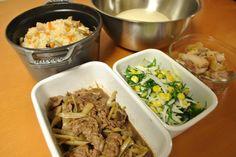 常備菜 *牛肉と牛蒡の甘辛煮 *おかひじきのサラダ *鶏もも肉の塩胡椒焼き *混ぜご飯 *パン生地