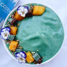 What a beautiful colour a dreamy bowl of Spirulina Nicecream topped with Raw Choc Mint Cheesecake by @healthiforhappy made by blending 3 large frozen bananas with a splash of @purecocobella coconut water and @organicburst spirulina
