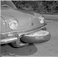 The overall styling of the Dauphine hasn't changed… - Renault Dauphine. The overall styling of the Dauphine hasn't changed. Vintage Bikes, Vintage Cars, Antique Cars, Classic Cars British, Ford Classic Cars, Supercars, Automobile, Retro Cars, Car Photos