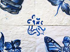 Ocupação Monarca - Lisboa n° II.27 - detalhes | rua Heliodoro Salgado, Penha de França | Intervenção urbana | Lisboa - Portugal | tinta acrílica sobre papel aplicados com cola de amido sobre parede azulejada