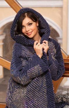 Купить пальто осеннее из павловопосадского платка с капюшоном - цветочный, авторская ручная работа, Авторский дизайн