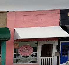You'll Find Some Of The Best Cheesecake Ever Tucked Away In Small Town Oklahoma At Not Cho Cheesecake Places To Eat, Eating Places, Best Cheesecake, Things To Come, Good Things, Travel Oklahoma, Local Attractions, Small Towns, Frostings