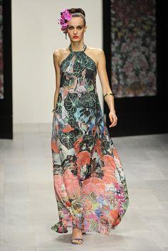 Issa London RTW Spring 2013 - Runway, Fashion Week, Reviews and Slideshows - WWD.com