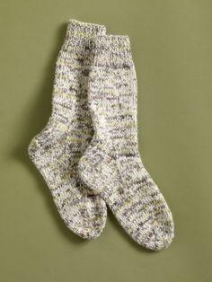 Free Knitting Pattern 90056AD Luscious Lounge Socks : Lion Brand Yarn Company