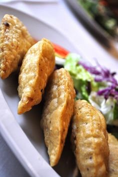 It's always good to have empanadas  http://www.conchaytoro.com/wine-blog/its-always-good-to-have-empanadas/