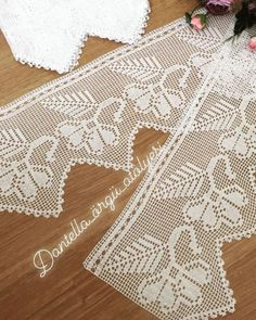 40 Different Pique Lace Samples, Baby Knitting Patterns, Hand Knitting, Hand Crochet, Crochet Lace, Crochet Placemats, Diy Crafts Crochet, Fillet Crochet, Crochet Borders, Etsy Christmas