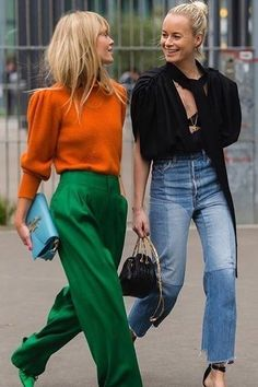 Street Style i just love this orange and green outfit. its so weird. Curvy Fashion, Look Fashion, Trendy Fashion, Winter Fashion, Womens Fashion, Street Fashion, Fashion Spring, Street Chic, Colorful Fashion