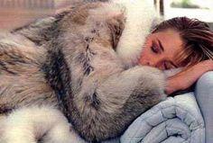 Fur Fashion, Fashion Photo, Womens Fashion, Fur Jacket, Pretty Girls, Beautiful Women, Lynx Lynx, Fur Coats, Furs