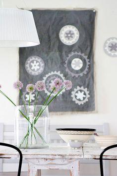Fabric wall art tutorial via Decor8