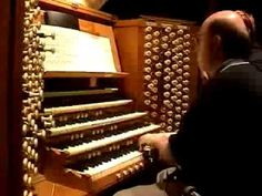 Toccata & Fugue in d minor (BACH, J.S.) ~ Played on a massive pipe organ by Kurt Ison in Sydney Town Hall. Amazing to watch how it's done, including how at times he is only playing with his feet!