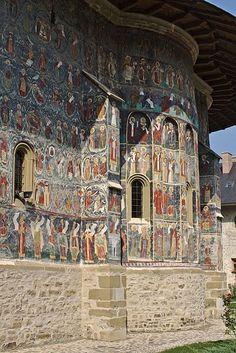 Romanian Orthodox churches in Suceava County. Churches of Moldavia. Giovanni Bellini, Pieter Bruegel The Elder, Religious Art, 16th Century, African Art, Romania, City Photo, Buildings, Paintings
