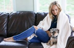 The American Blanket Company #madeintheusa #americanmade #petblanket #fleece #lusterloft #blankets #theamericanblanketcompany #redwhiteanddenim