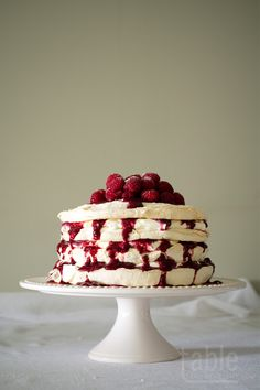 pavlova cake with lemon mascarpone & raspberry coulis | table twenty eight