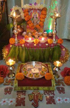 Mandir Decoration, Thali Decoration Ideas, Ganpati Decoration At Home, Ganapati Decoration, Decor Ideas, Diwali Decorations At Home, Festival Decorations, Flower Decorations, Diwali Pooja