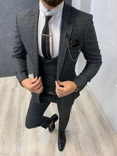 Size : Suit material: Wool, Polyester Machine washable : NoFitting : Regular Slim Fit Remarks: Dry Cleaning Only Charcoal Gray Suit, Grey Wool Suit, Grey Suit Men, Dark Gray Suit, Black Suits, Dark Grey, Gray Vest, Mens Fashion Suits, Mens Suits