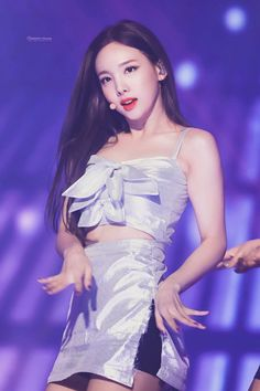 Kpop Girl Groups, Korean Girl Groups, Kpop Girls, Twice Show, Nayeon Twice, Twice Dahyun, Im Nayeon, Glamour, Kpop Outfits