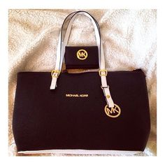Michael Kors Bags Find our Lowest Possible Price!