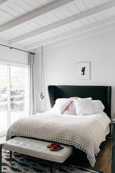 bohemio decoración del dormitorio moderno.  / sfgirlbybay