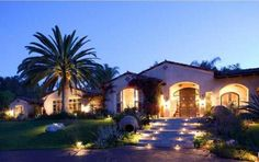 santa fe home via luxuryhomes.com