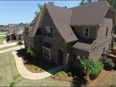 1105 Southridge Ct.- Auburn, AL (Rick & Cathy) Gorgeous home in Cypress Point! 5 bedroom/3.5 bath with bonus loft area. Granite countertops and crown molding throughout, stainless appliances, custom cabinets, gas cooktop, breakfast area, and pantry. Dining room features a beautiful coffered ceiling; wainscoting in foyer and dining room. Master bathroom features a double vanity, huge walk-in shower, and whirlpool tub. Separate thermostats for upstairs and downstairs. Energy efficient spray…