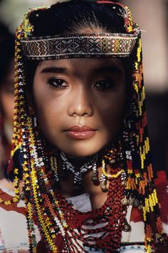 Banaue, Philippines (photo by Steve McCurry) Steve Mccurry, We Are The World, People Around The World, Iloilo, Nam June Paik, World Press Photo, Philippines Culture, Philippines Dress, Philippines Fashion