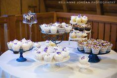 Hollinshead Barn Wedding Cupcakes.  Bend, Oregon.  Foxtail Bakeshop.  www.foxtailbakeshop.com Photo by Kellianne Jordan Photography.