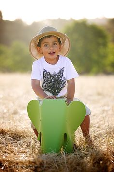 Elephant Riding - Kids Outdoor Portraits in Melbourne