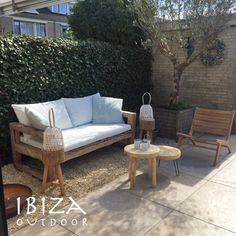 Leuke foto ontvangen van Petra met de stoere loungeset, de ibiza tuinbank en ushuaia vintage loungestoel voor buiten. Love it! bij interesse mail naar ibizaoutdoor@gmail.com ook voor een afspraak in de loods.