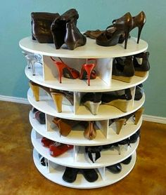DIY Lazy Susan Shoe Rack.  Full tutorial here:   https://au.lifestyle.yahoo.com/better-homes-gardens/diy/how-to/h/-/14134056/how-to-make-a-lazy-susan/