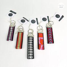 Shops, Band, Cake Pops, Diys, Personalized Items, Handmade, Embellishments, Weaving, Sachets