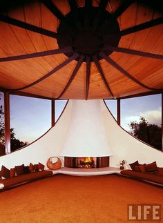 Volsky Residence, Boulder, CO - 1965. Architect: Charles Haertling. Life Magazine: 1966 | retro conversation pit / sunken living room