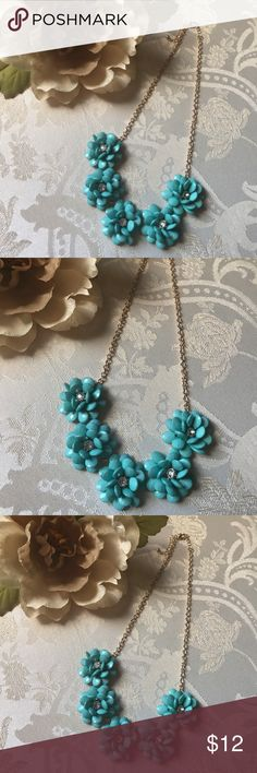 Baublebar Jumbo Bloom Bib - Blue Turquoise Flowers Similar to the necklace seen on the Carrie Diaries! Mint blue turquoise statement necklace featuring beaded flowers with diamond-look centers. Gold chain with lobster clasp. No broken or missing pieces, in excellent condition! Baublebar Jewelry Necklaces
