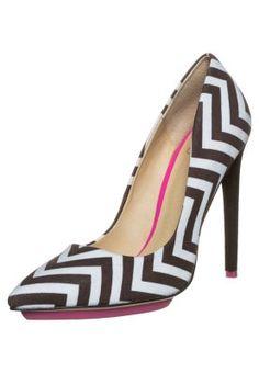 gx by Gwen Stefani AXTON - Classic heels - schwarz/weiß for £85.00 (15/03/15) with free delivery at Zalando