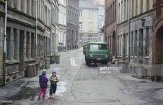 Kinder auf einer Strasse in Wismar. 1989