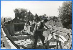 Nidden, Bootswerft, Bau eines Fischerbootes