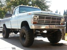 Old Pickup Trucks, Ford Trucks, F150 Lifted, Trucks And Girls, Old Fords, Ford Bronco, Classic Trucks, Cars And Motorcycles, Monster Trucks