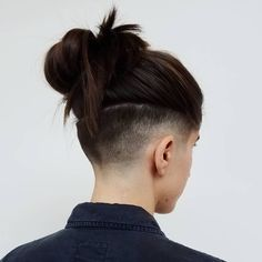 Perfect Undershave Hair - All those who have black ugly Afro hair do definitely . - Perfect Undershave Hair – All those who have black ugly Afro hair do definitely not suggest which - Undercut Hairstyles Women, Undercut Women, Easy Hairstyles, Hairstyle Ideas, Undercut Styles, Girl Undercut, Half Shaved Hairstyles, Teenage Hairstyles, Undercut Designs