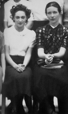 Simone de Beauvoir and Bianca Bienenfeld (1938). Lovers.