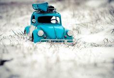 Kim Leuenberger's miniatures Miniature Photography, Toys Photography, Creative Photography, Cute Little Things, Mini Things, Miniature Cars, Mini Photo, 3d Photo, First Snow