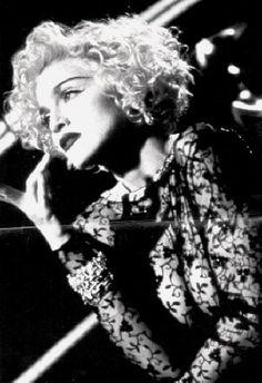 "Madonna - 1990 ""Vogue"""