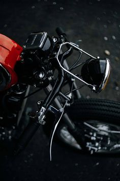 When your work is recognised to be of such a high standard that you're asked to build a motorcycle for a major custom show, there are really only two choices a… Honda Cx500, Honda Motorcycles, Custom Motorcycles, Custom Bikes, Cx500 Cafe Racer, Cafe Racers, Scrambler, Garage Cafe, Cx 500