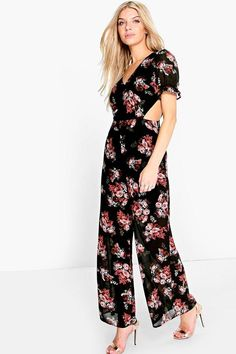 3bcb69a4ca28 Jumpsuits are your day-to-night dress alternativeYour style inspiration  starts with a jumpsuit. Take your new season style up a notch in a wide leg  numbe.