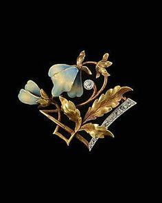 Gold platinum art Nouveau enamel and diamond brooch - ca. 1900.