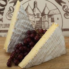 "Brie De Meaux is France`s ""queen of brie,"" made since the middle ages, produced in the provence of Brie and the town of Meaux. It is only one of two brie`s recognized by the French government and famous world wide. It is pale in color with a slightly grayish tinge under an eatable rind of white mold. It is creamy and the flavor is slightly nutty with a little spice."