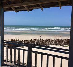 Mal fui embora e já quero voltar! Em Caburé você tem a praia de um lado e o rio do outro. Uma delícia! #janelaparaomundo #cabure #barreirinhas #partiubrasil #mar #maranhao #lencoismaranhenses #brasil_nature